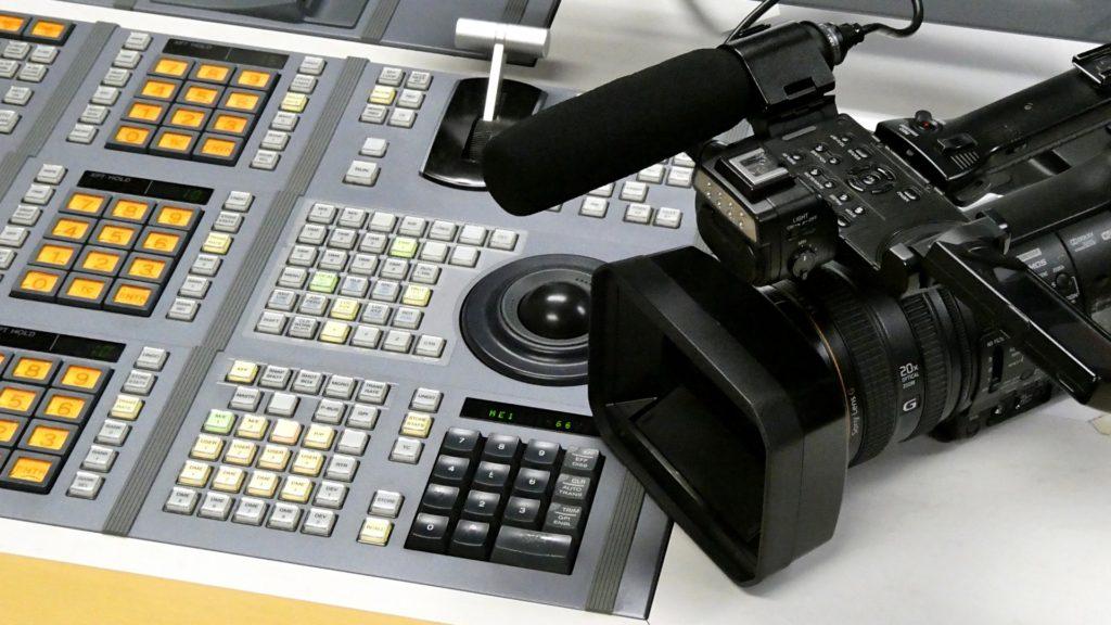 ビデオカメラと編集機材